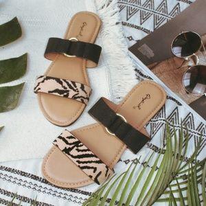 🆕️//The Palms// Animal print Sandal